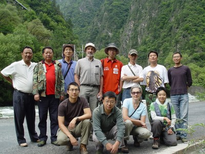 2007 Expedition team: Sichuan, Xiaojin Xian, south of the city of Xiaojin on road to Danba along Xiaojin He (Xiaojin River)